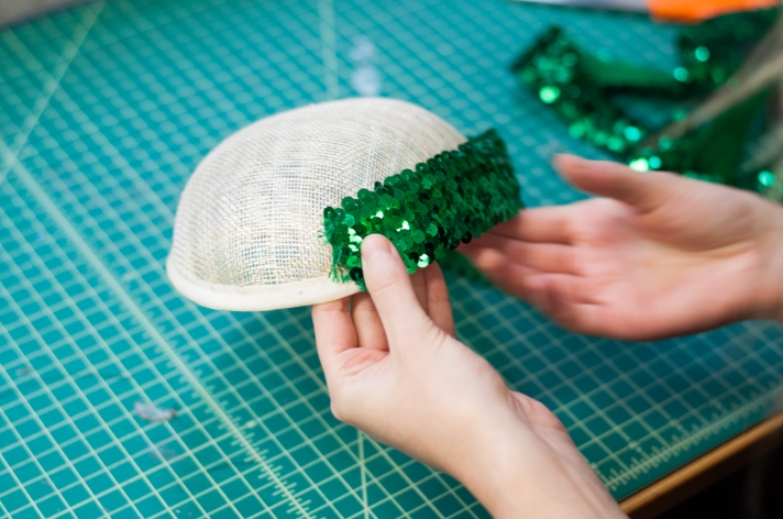 Wrap sequin lace around the fascinator base
