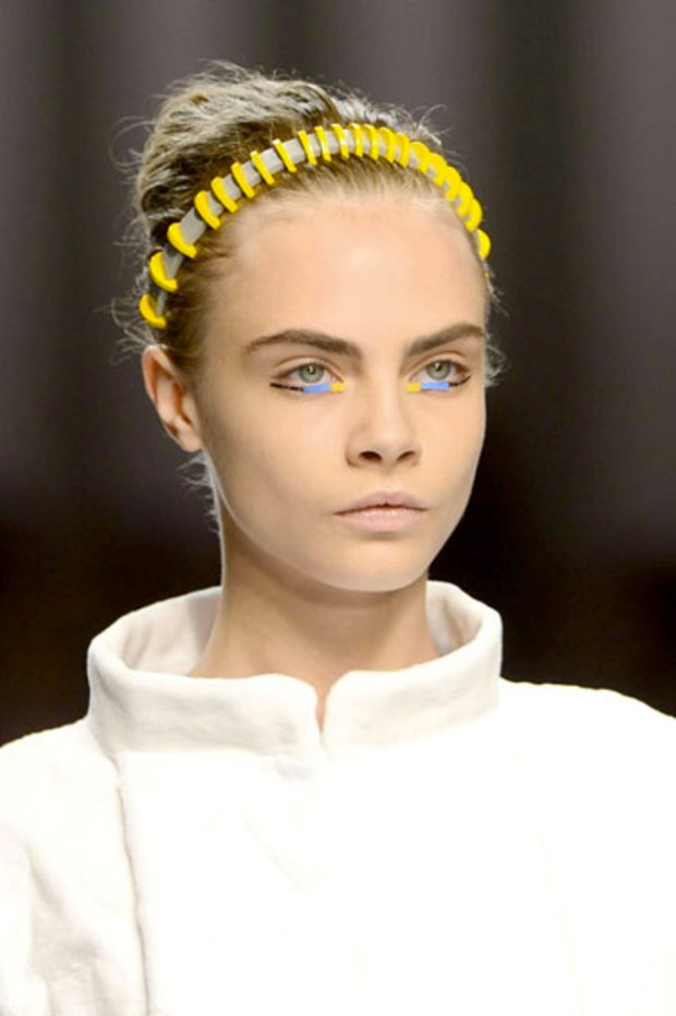 Cara_Hair_Neon_Mjtrimming_DIY