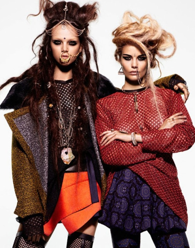 Jenna-Earle-and-Alena-Blohm-by-Jason-Kim-for-BlackBook-Oct-Nov-2012_Indian-Inspiration_Indian-Fashion-Trends_Scarlet-Bindi004