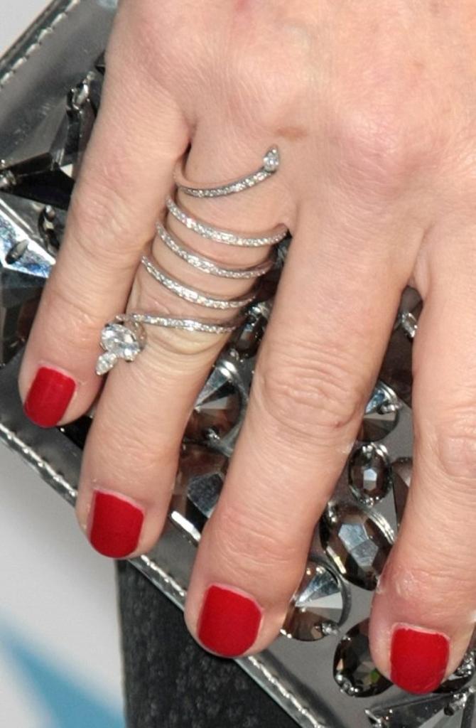 julia-ormond-wearing-a-diamond-serpent-eternity-ring
