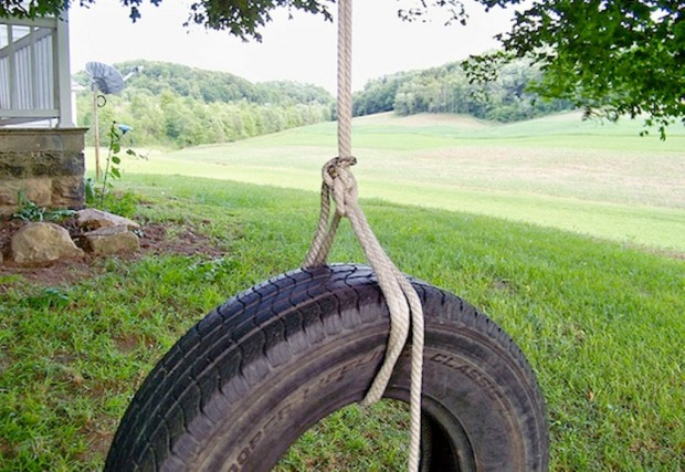 MyMommysPlace-How-to-Make-tire-Swing