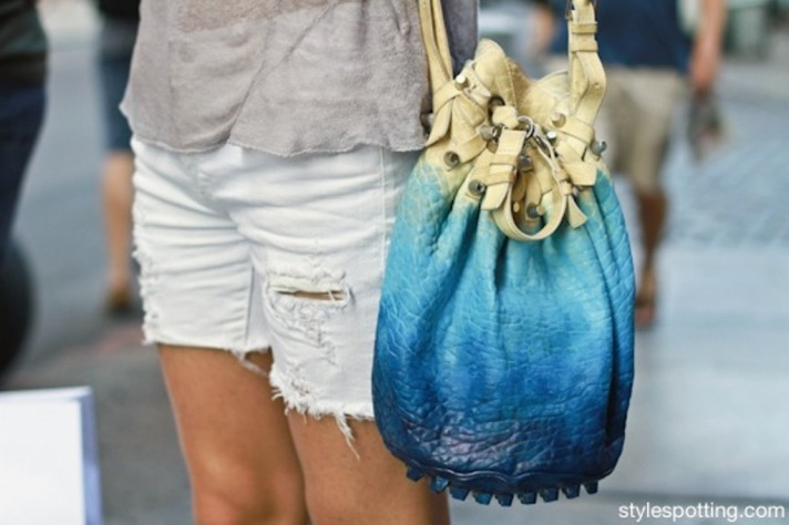 stylespotting.com_alexander_wang_diego_bucket_bag_hand_painted_soho_streetstyle_new_york_city_andy-1