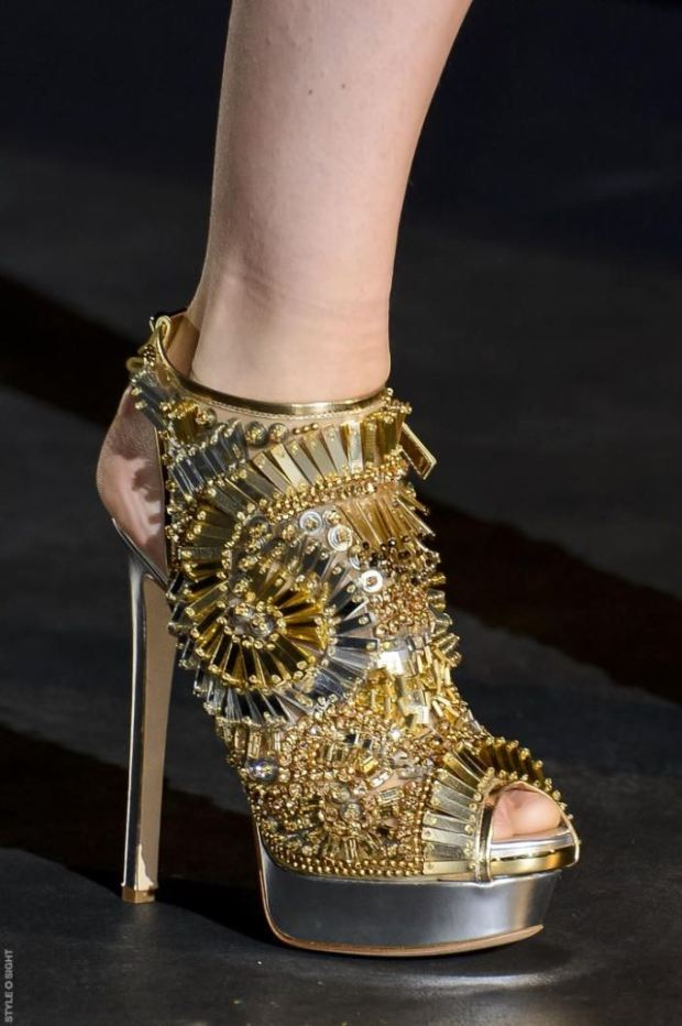 catwalk-spring-summer-2013-footwear-trends-the-shoe-consultant-9774
