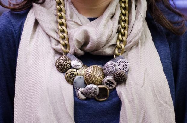 Vintage Button Necklace DIY
