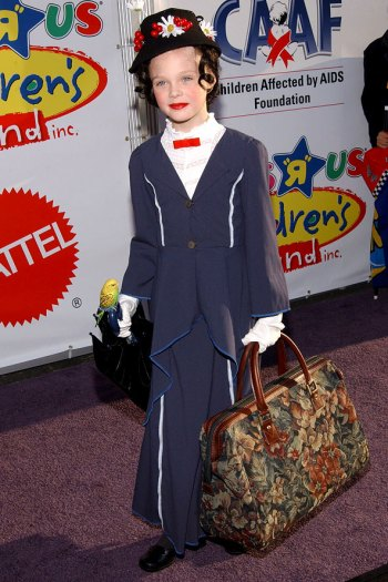 Elle Fanning Mary Poppins Halloween Costume
