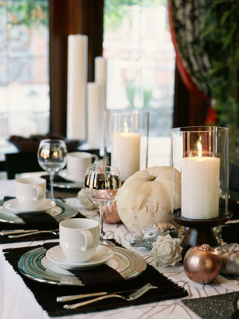 Thanksgiving tablescape from HGTV