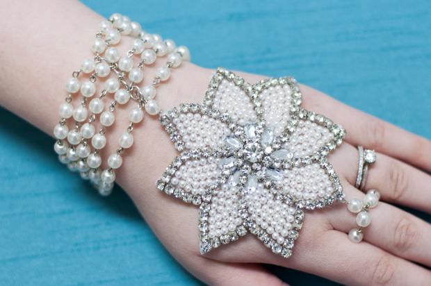 Pearl-Applique-Bracelet