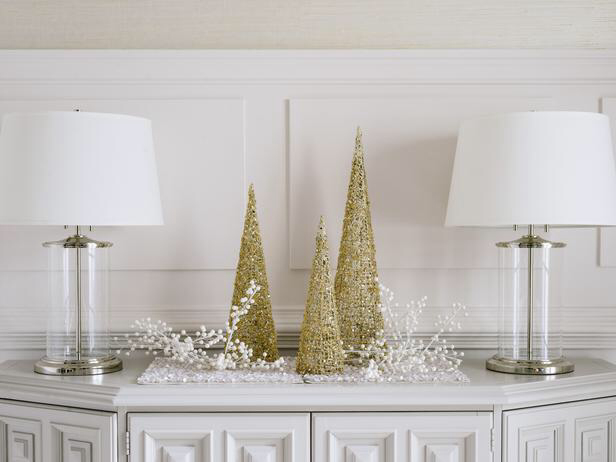 Simple White and Gold Holiday Decor