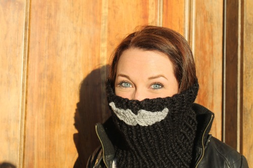 Mustache Face Warmer | Sans Limites Crochet