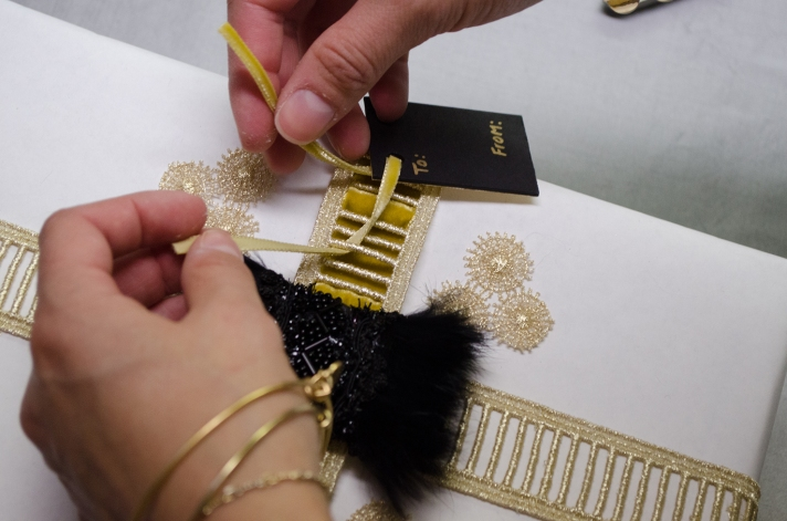 Glamorous Large Package DIY Ribbon Tag | M&J Trimming