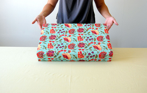 Gift Wrap Tutorial from Hideous Dreadful Stinky