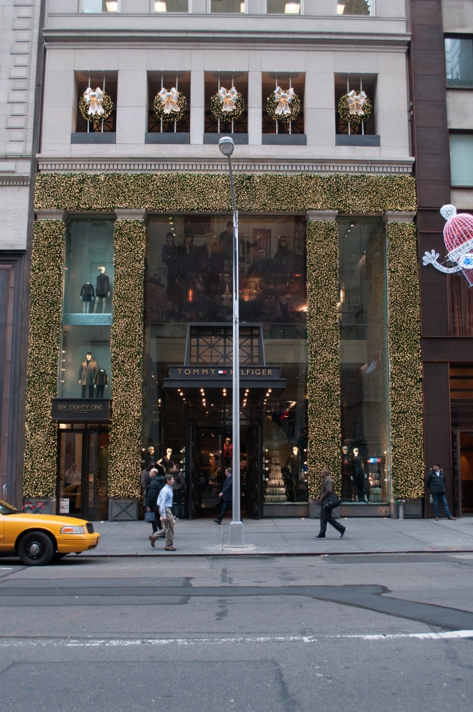 Tommy Hilfiger Holiday Windows