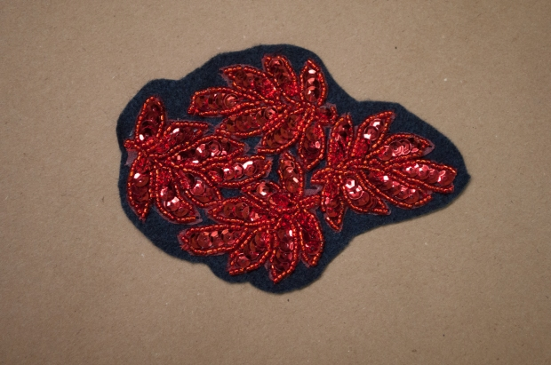 The No-Sew Holiday Headband DIY Felt Trim Applique