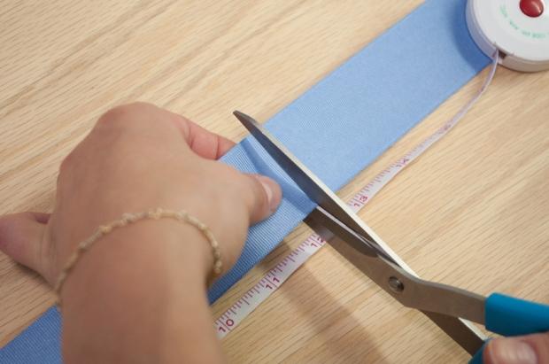 Baby Blue Pom Pom Bookmark Cutting