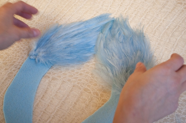 Placing Feathers on Felt Outline