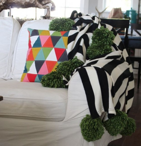 Pom Pom Blanket from the Pleated Poppy