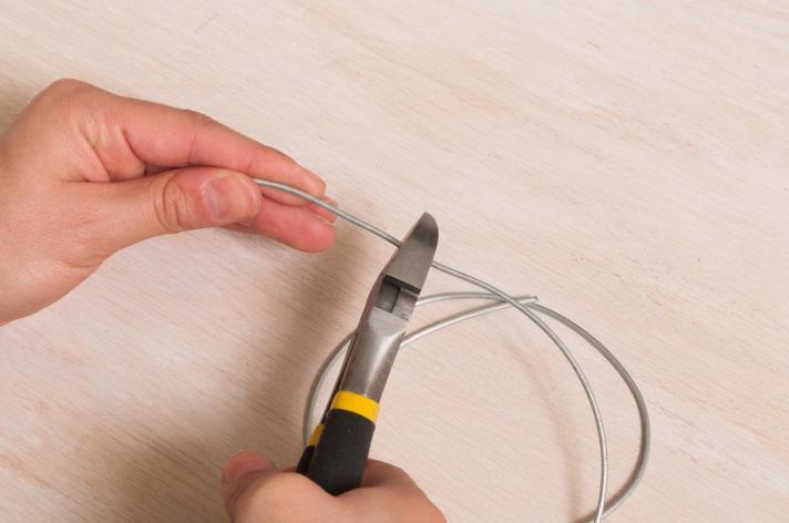 Cutting Galvanized Wire