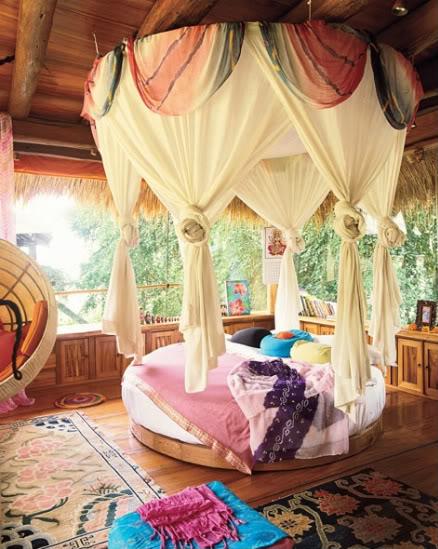 Circular Canopy Bed