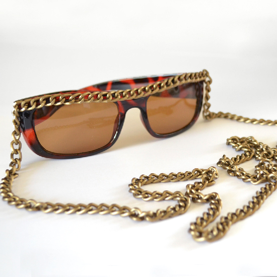 http://mjtrim.files.wordpress.com/2014/06/001-chained-sunnies-dream-a-little-bigger1.jpg?w=620