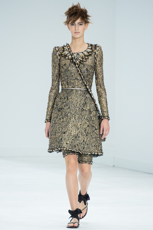 chanel-couture-fall-2014-11_105824919340
