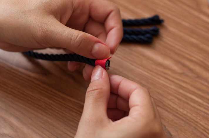 Nautical Knot Necklace Gluing Apron Tape