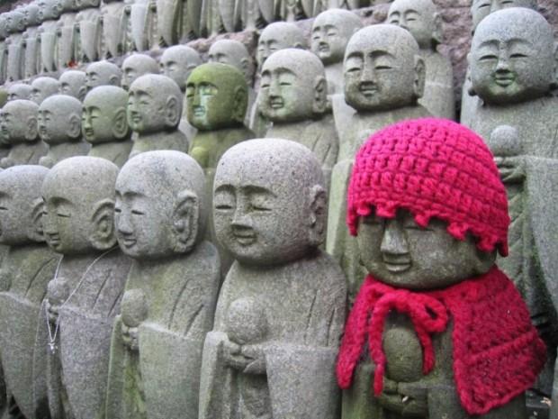 Japan_Kamakura-Statues-e1313644549642