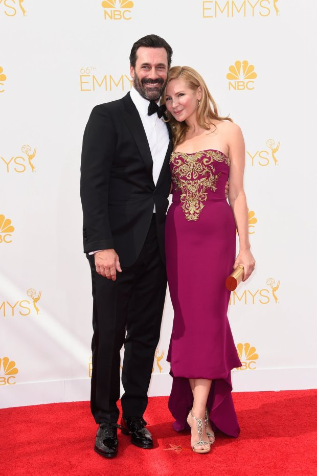 mad-men-nominee-jon-hamm-and-jennifer-westfeldt-wearing-marchesa