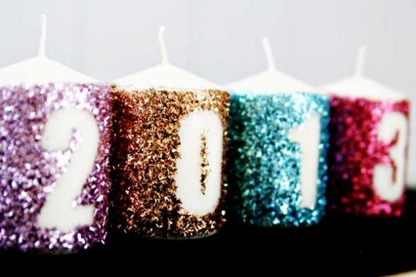 2012-12-10_coppola_new-years-eve-easy-decorations-glitter-new-years-candles
