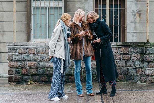 https://mjtrim.files.wordpress.com/2015/01/04-berlin-fashion-week-fall-2015-street-style-10.jpg?w=620&h=414