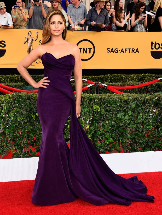 camila-alves-sag-awards-red-carpet-2015