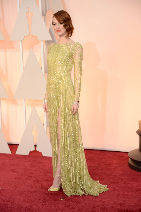 https://mjtrim.files.wordpress.com/2015/02/emma-stone-oscars-red-carpet-2015.jpg?w=599&h=901