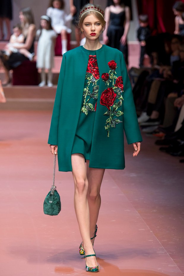 https://mjtrim.files.wordpress.com/2015/03/dolce-gabbana-fw15-mfw-runway-79.jpg?w=620&h=930