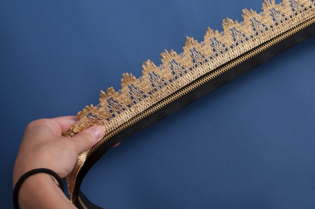 M&J Trimming: Measuring Length of Lace
