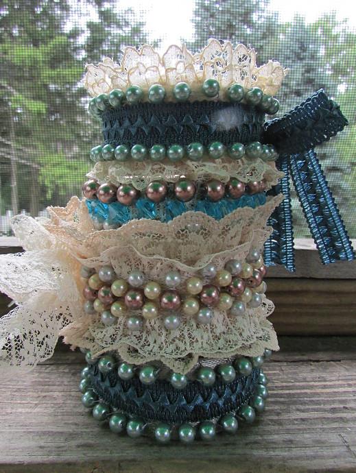 M&J Trimming - Lace Bracelets