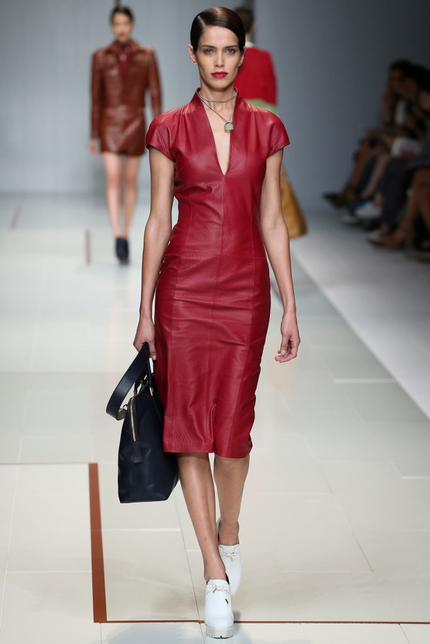 https://mjtrim.files.wordpress.com/2015/09/trussardi-spring-2015-2.jpg?w=620&h=930
