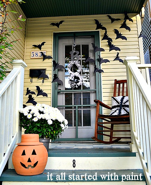 https://mjtrim.files.wordpress.com/2015/10/halloween-bats-on-door-2.jpg?w=620
